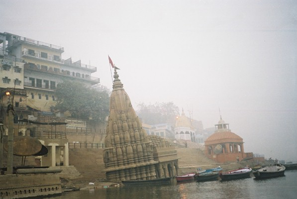Half sunken temples along the banks of the Ganges