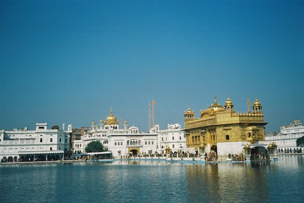 The Golden Temple in Amritsar - An amazing place to visit in India