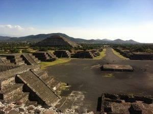 Visiting Teotihuacan when backpacking Mexico
