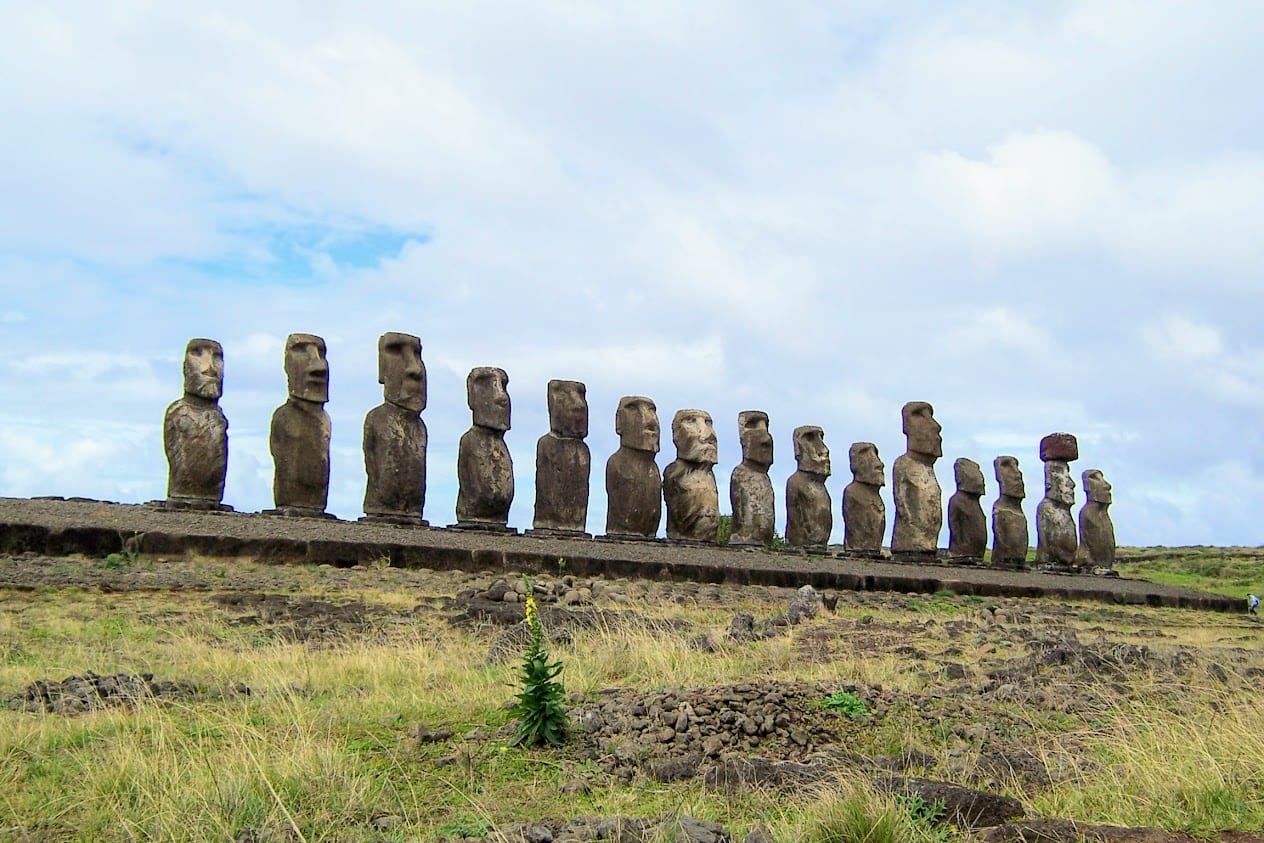 The magnificent statues of easter island