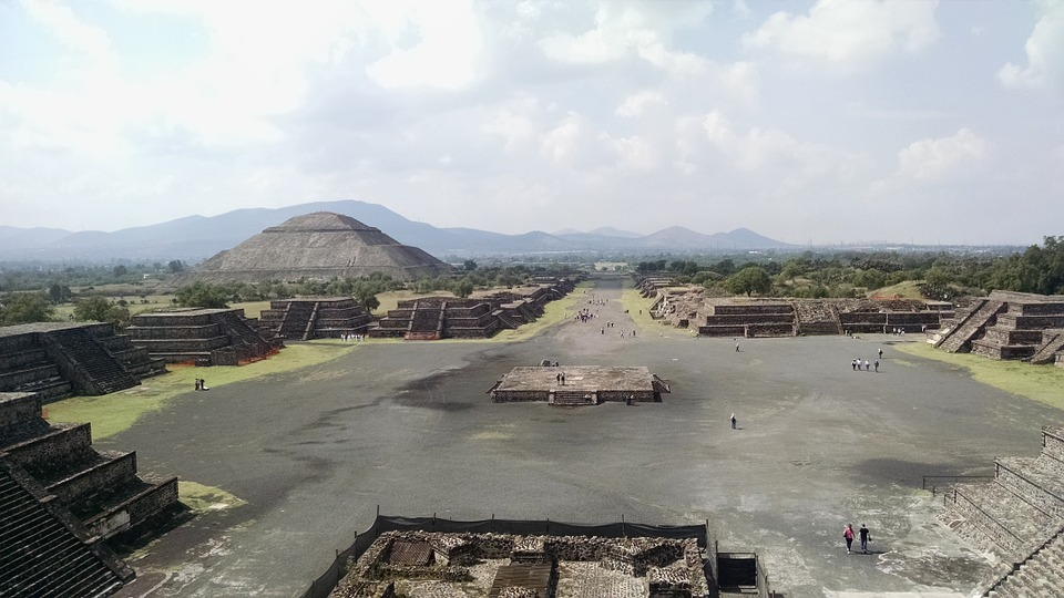 The Teotihuacan pyramids seen when backpacking Mexico