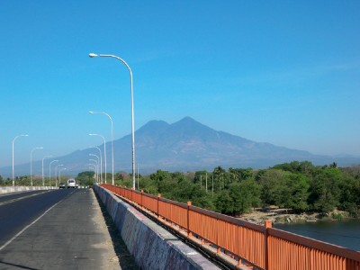 The bridge into Usulutan