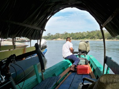 It was a quick crossing over the rover to Guatemala in the boat