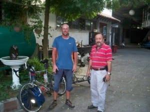 Rodrigo in Colombia with cyclist Dave Briggs