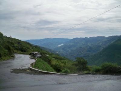 A view of the road between Valdivia and Yarumal
