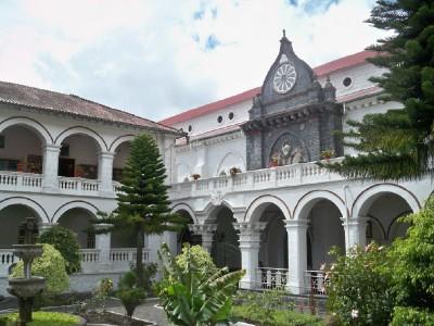 A nice building in Banos