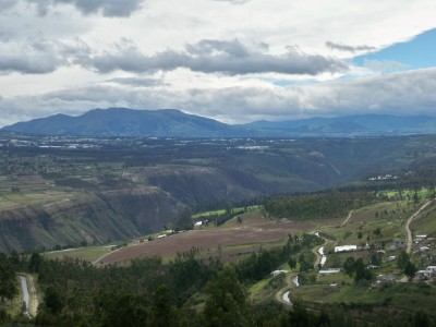 Cycling from Cayambe to Quito over the Ecuador rift