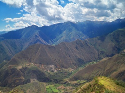 Cycling to Balsas in Peru