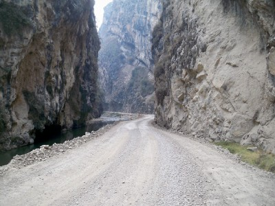 Cycling the unsealed road from Huallanca