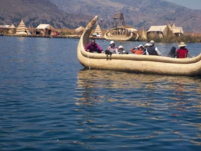 Uros Island raft