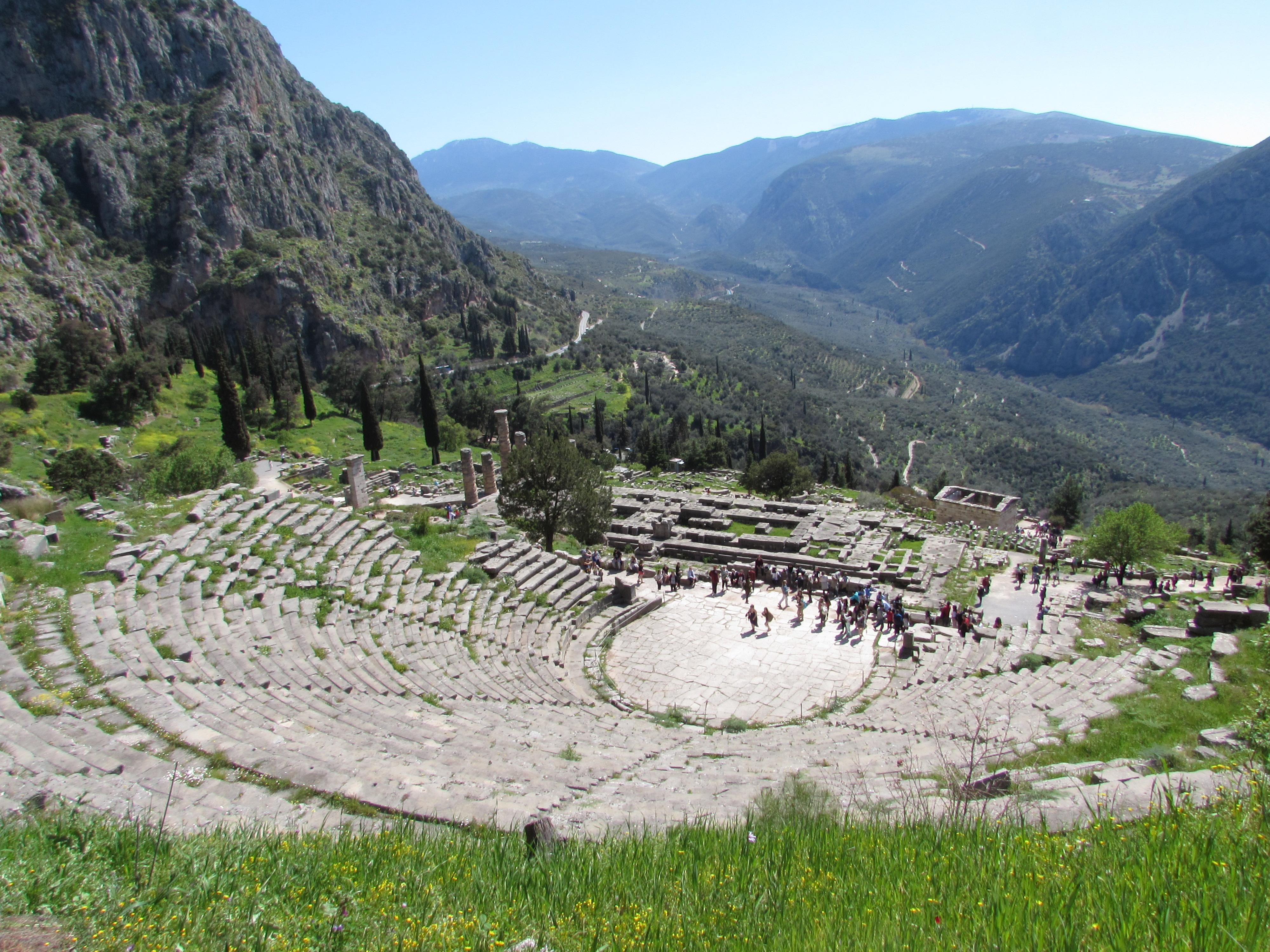 delphi-greece-views