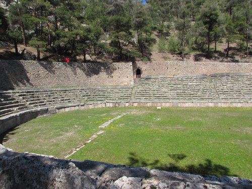 mountain-top-stadium-delphi