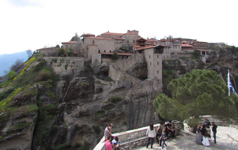 Visiting the Great Metreon Monastery during a Meteora hiking tour