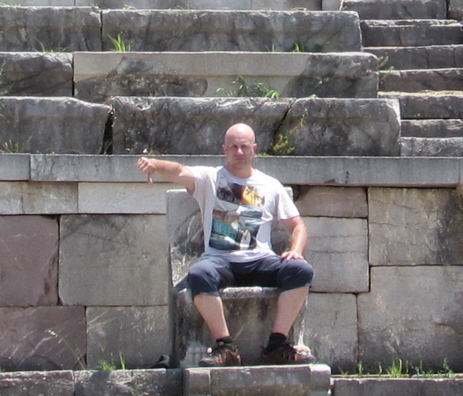 Dave Briggs on the throne
