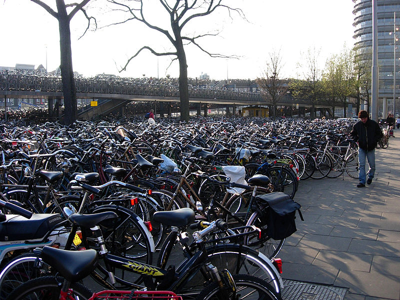 The cycling culture is another reason why I would like to visit Amsterdam in 2016.