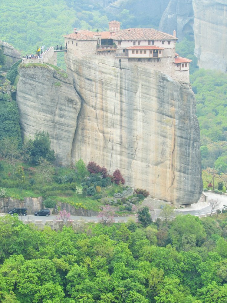 For more Meteora monastery photos, please check out the full article