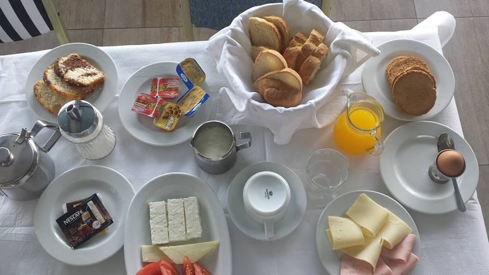 An awesome breakfast - just what a hungry cyclist needs when bicycle touring in Greece!