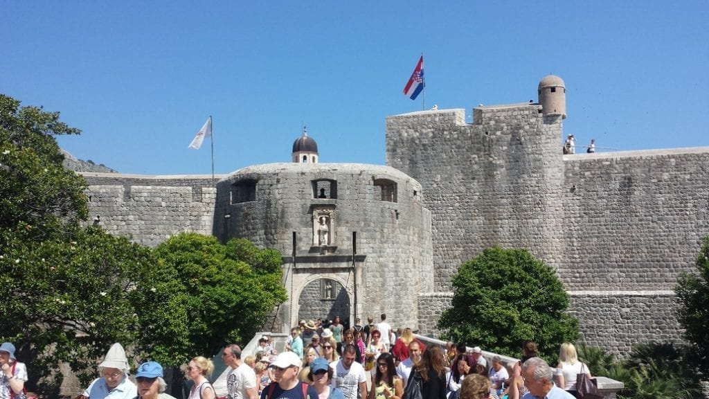 Entering Dubrovnik, you have to brave the hordes of tourists at the entrance!