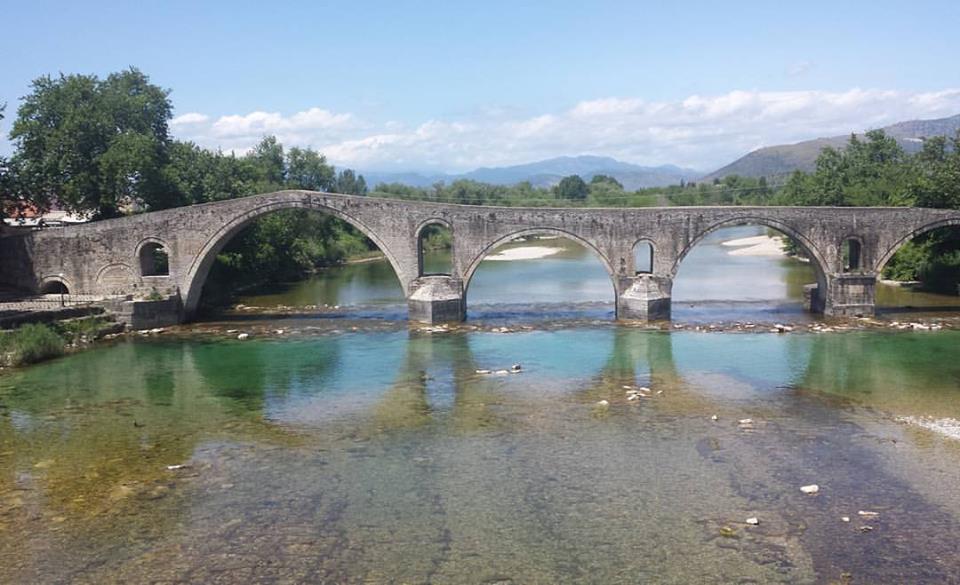 Old stone bridge in Arta
