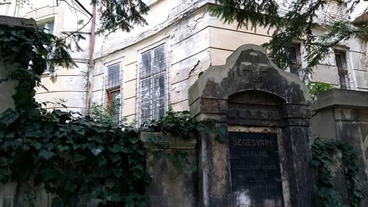 Eerie cemetery in Bratislava