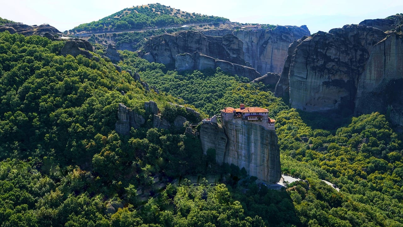 Stay in the hotels in Kalambaka, andyou'll have close access to the amazing sights of Meteora in Greece.
