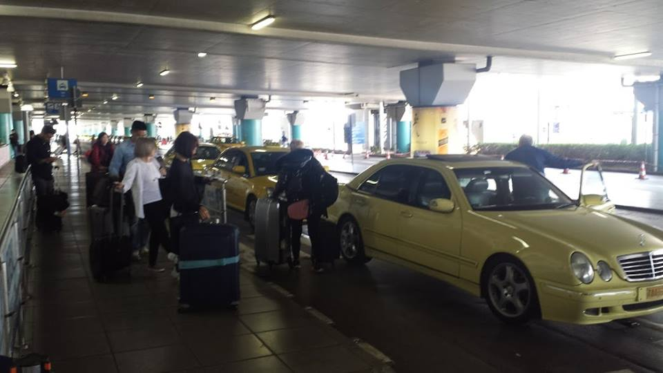 Getting from Athens airport to city center by taxi