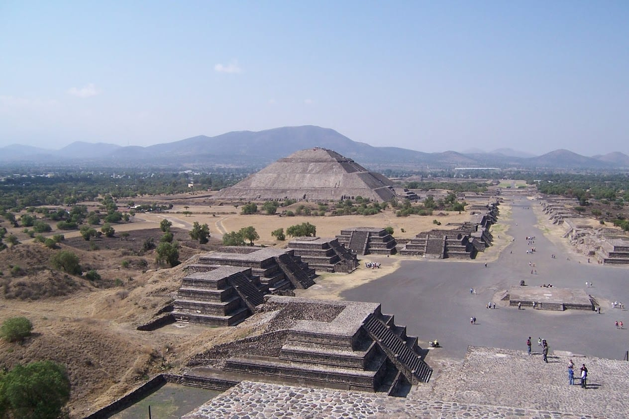 Walking around Teotihuacan in Mexico City