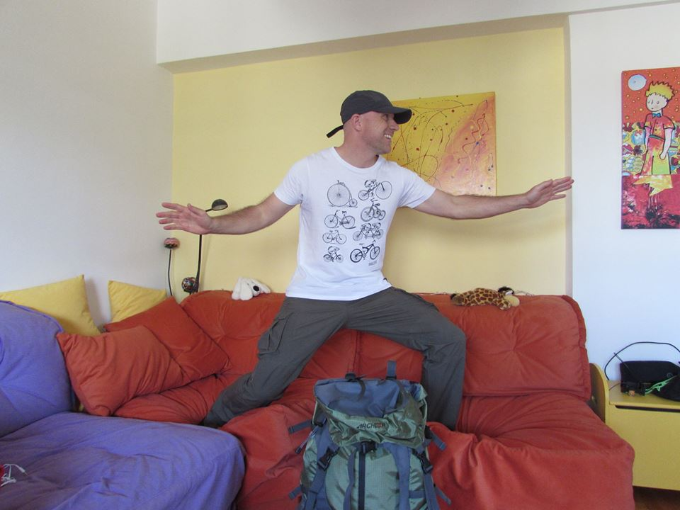 Couchsurfing - Travel like a local in your gap year