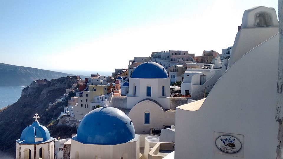 A guide on what to see in 2 days in Santorini Greece