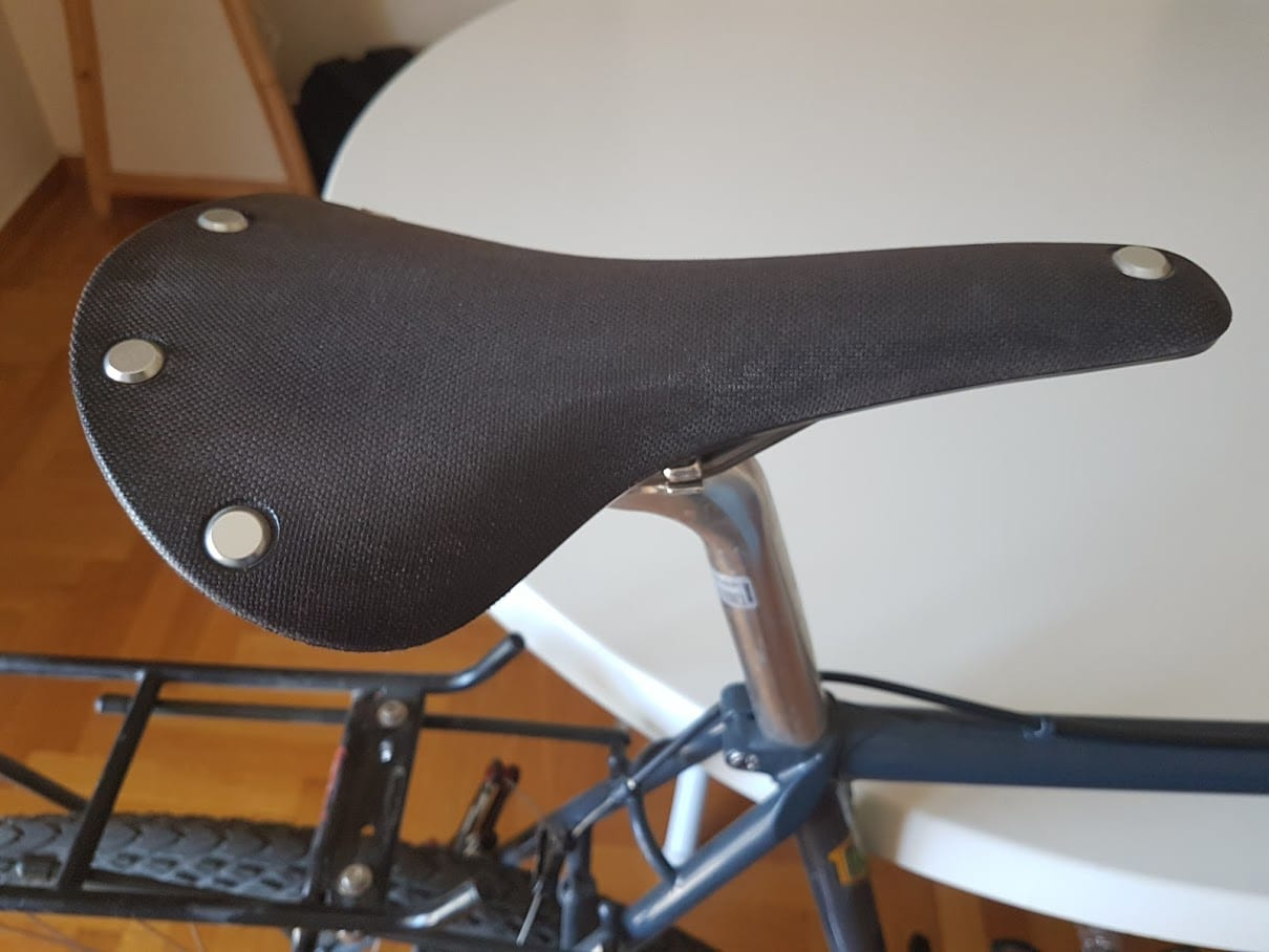 A look at the canvas surface of the Brooks Cambium C17 saddle