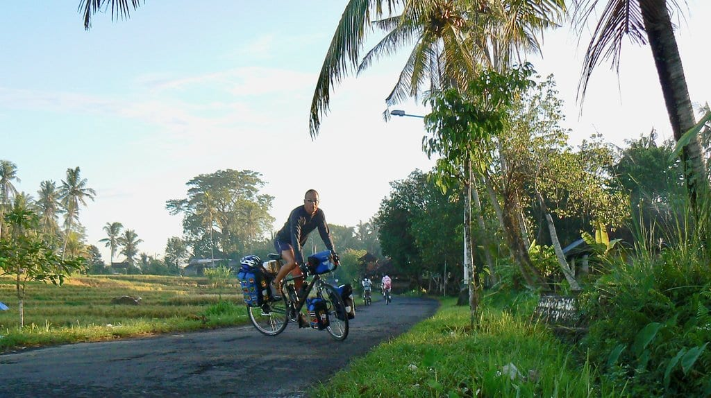 Efren shares his story about bicycle touring around the world