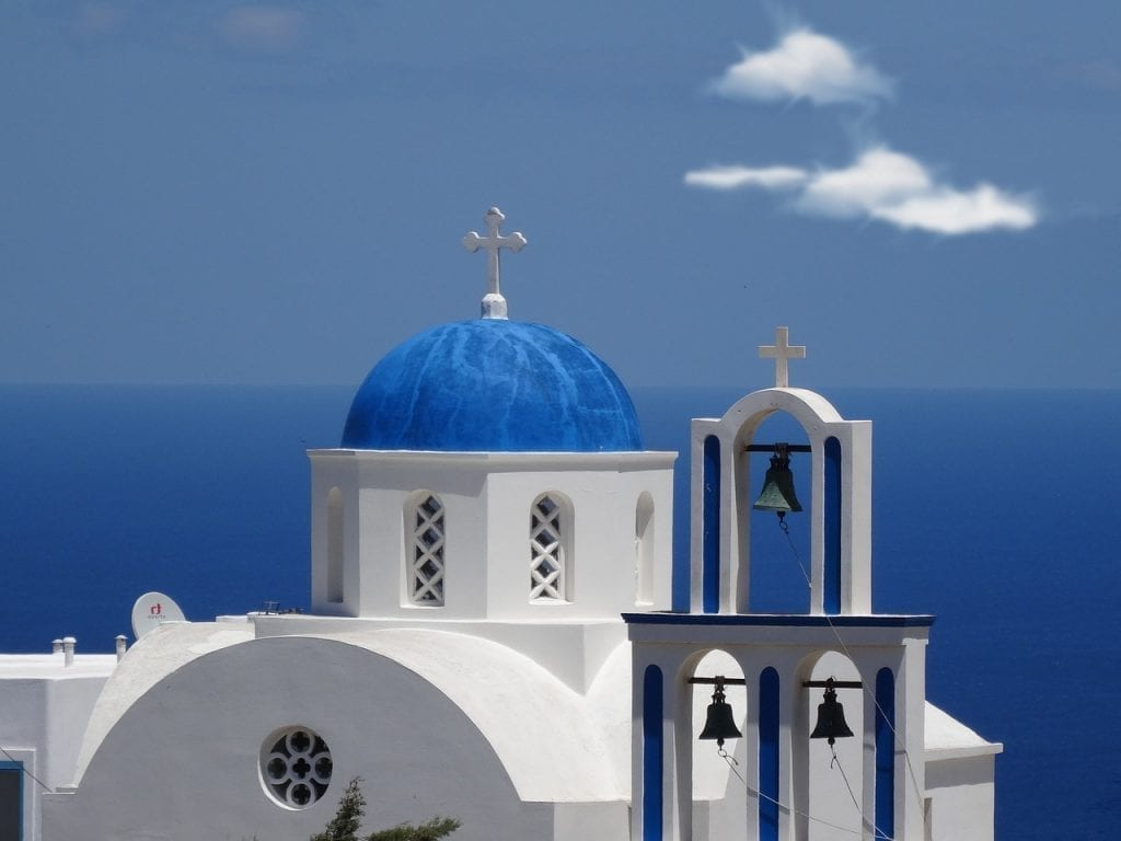 Looking for things to do in Santorini? These Santorini tours ideas are a great place to start!