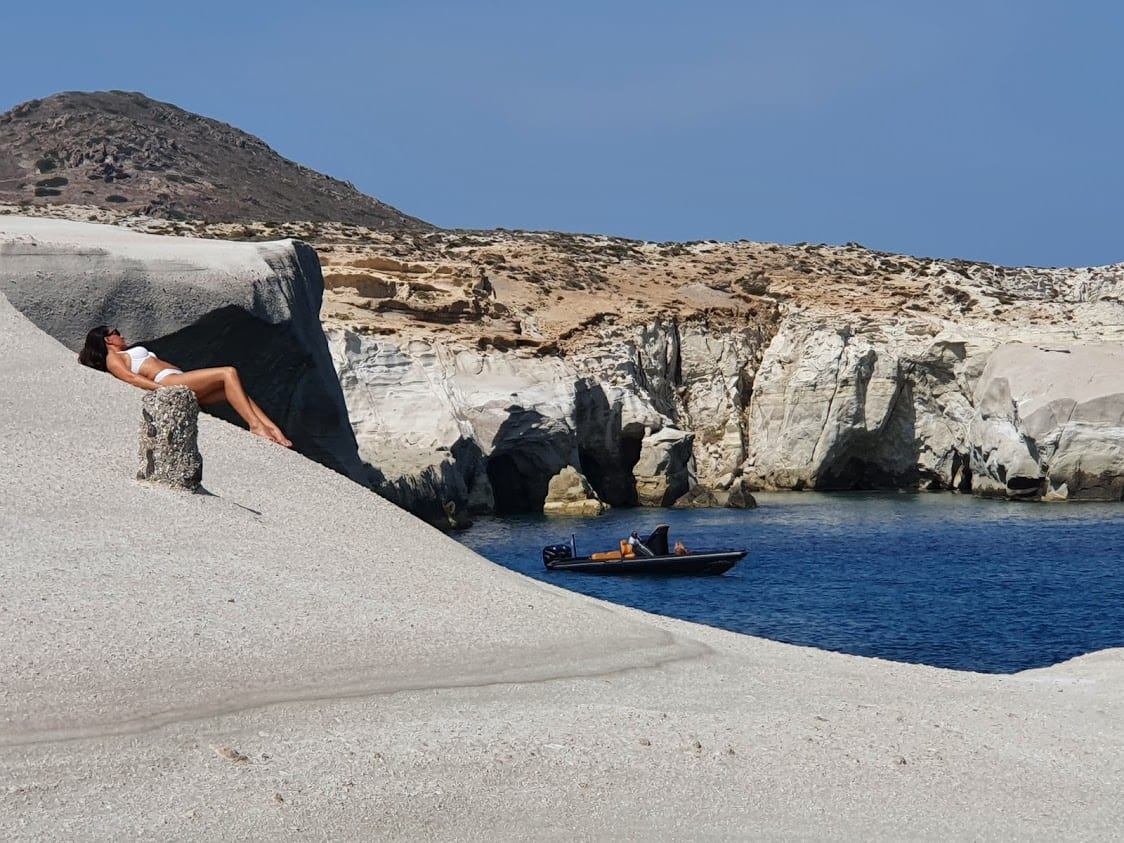 Finding the best Instagram spot in Milos Sarakiniko beach