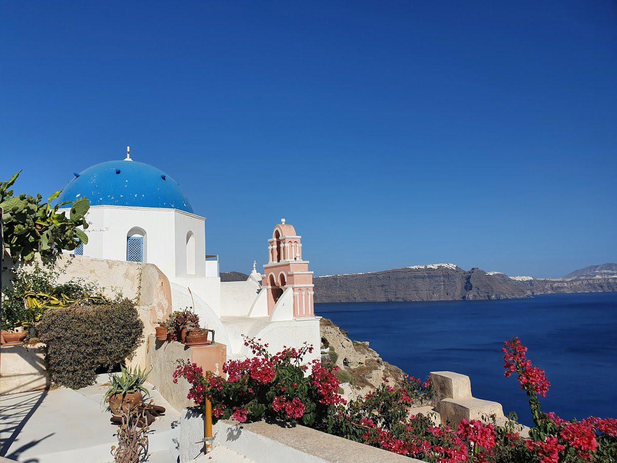 Santorini travel tips to make you Greek vacation better