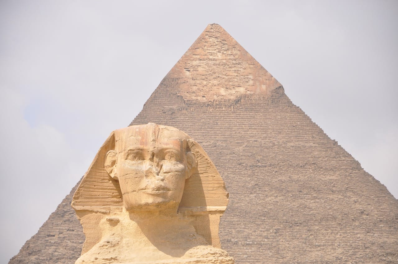 Sphinx and pyramid Cairo day tours