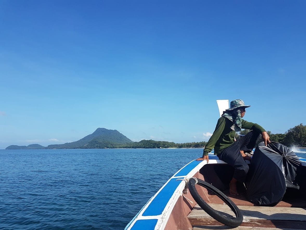 Arriving on Koh Jum on a longtail boat