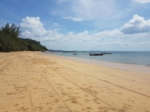 A complete travel guide to Koh Jum island in Thailand.