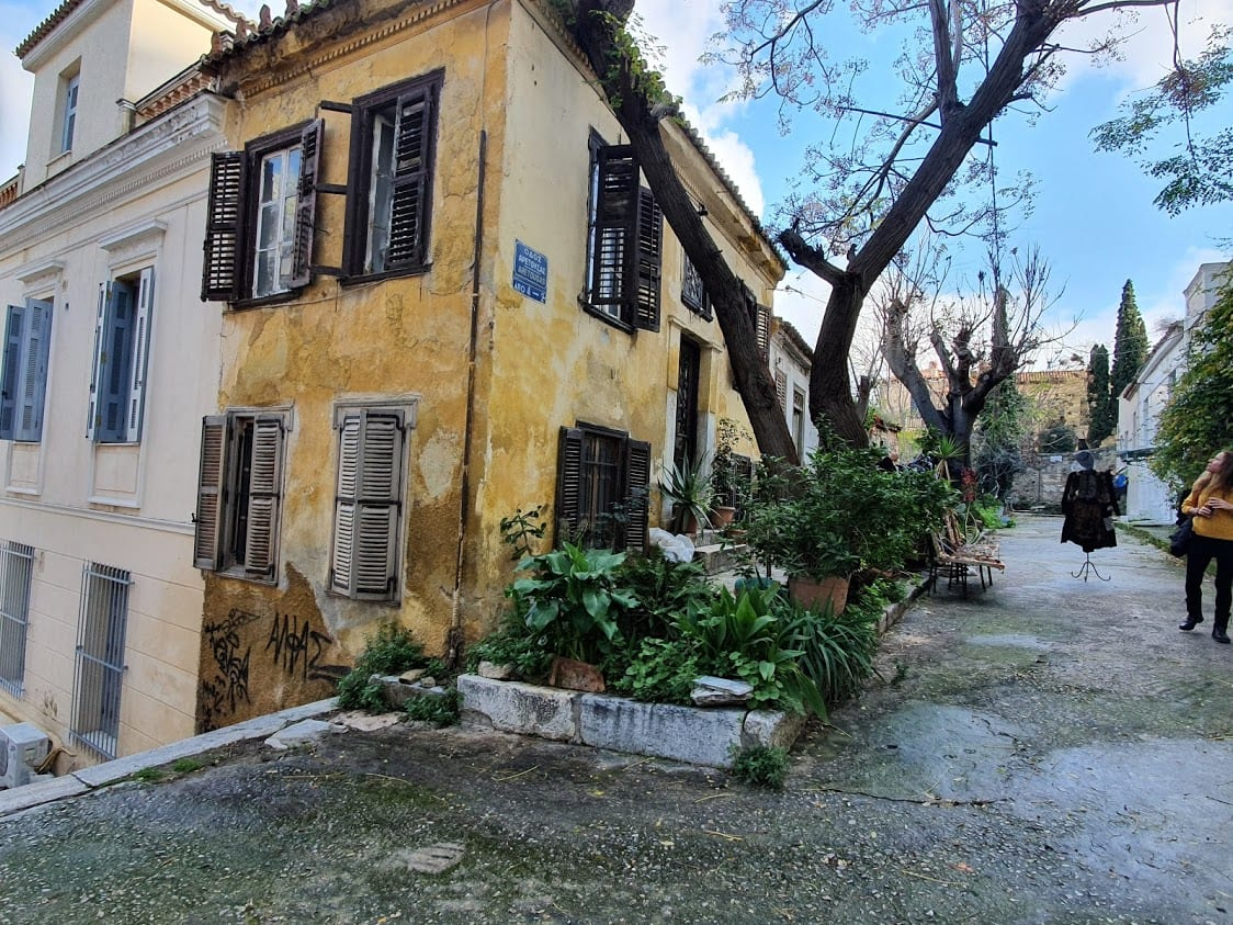 Walking around the backstreets of Plaka