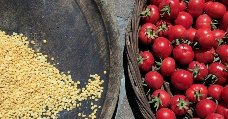 Megalochori Village Walk: Farm Food Tasting & Winery Tour