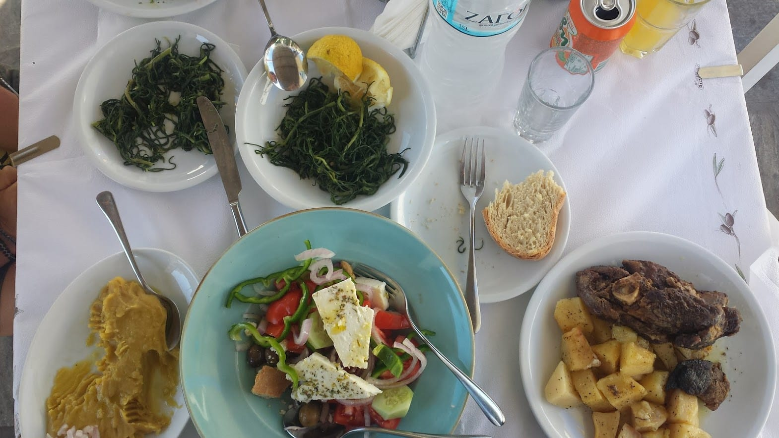 Eating a lovely Greek meal in Schinoussa