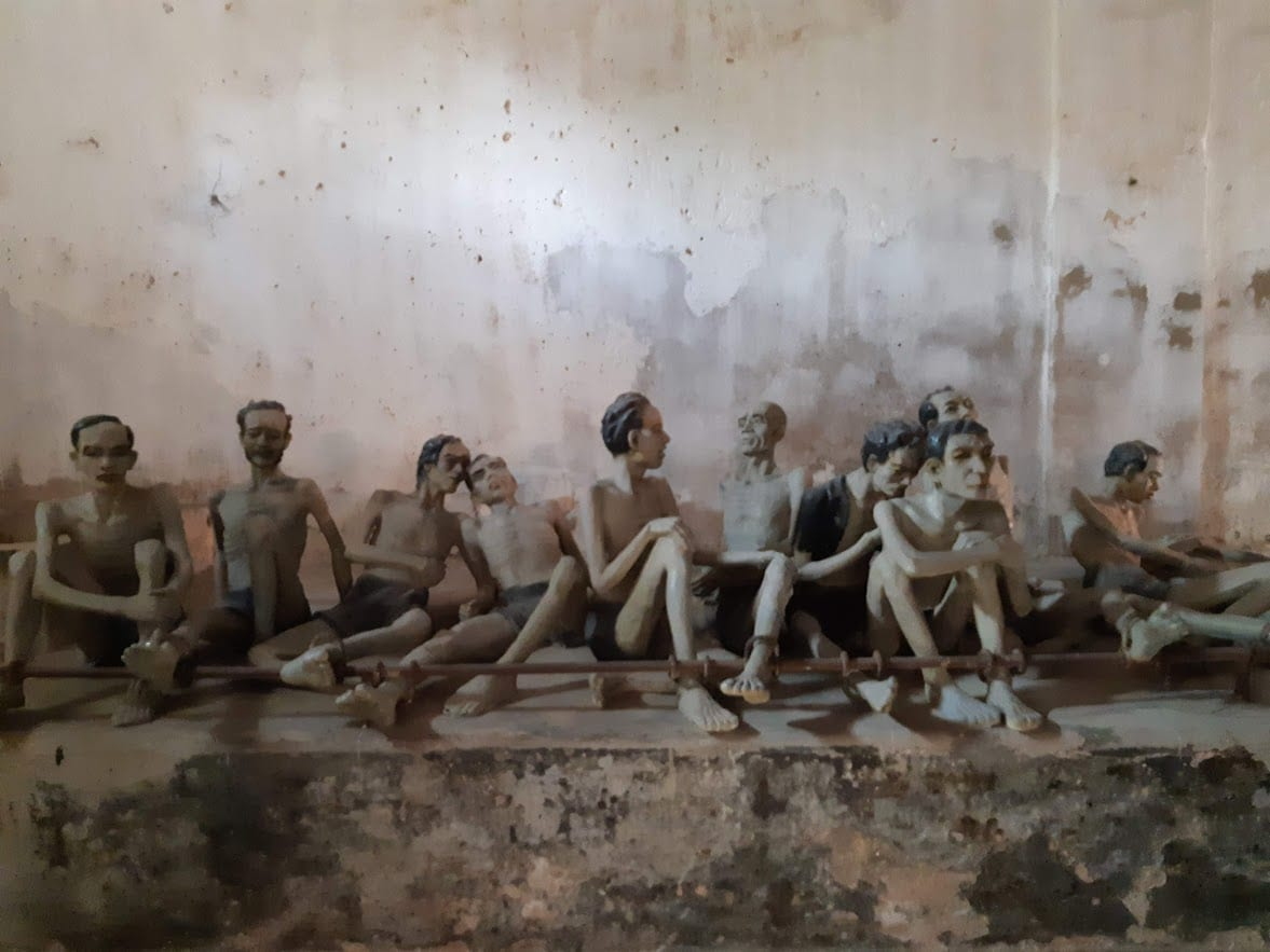 mannequin prisoners in Con Dao tiger cages