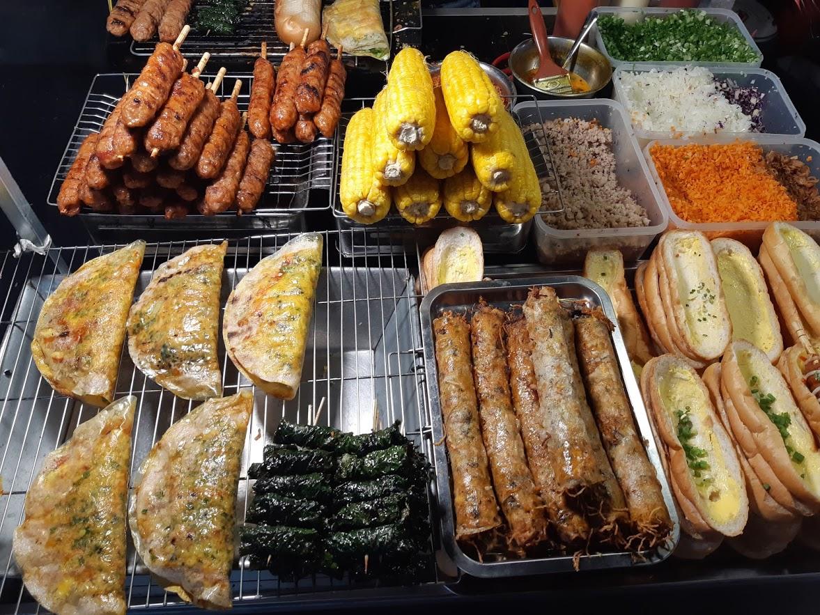 Eating street food in Phu Quoc