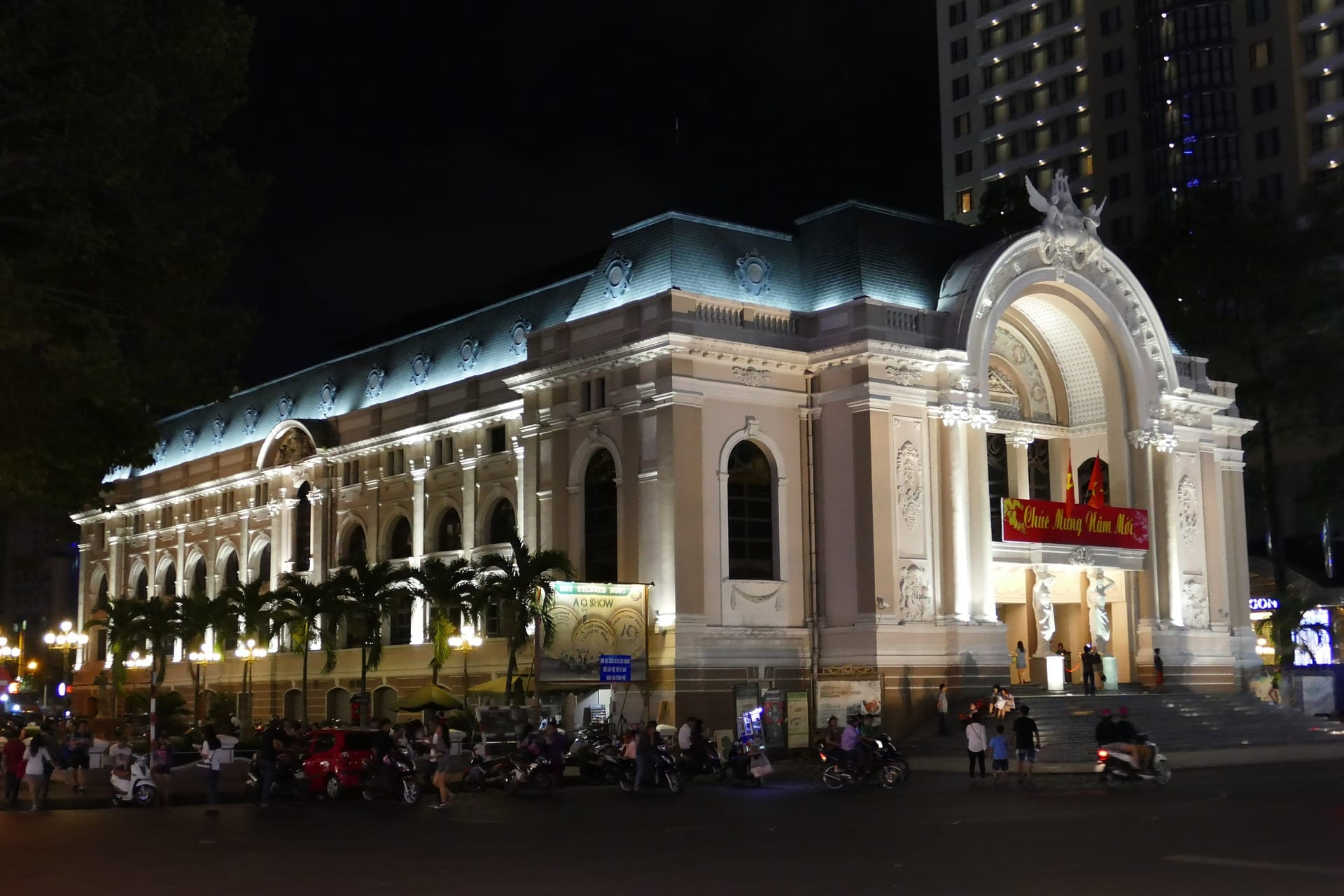 Saigon Opera House is a place you should visit when in Ho Chi Minh city