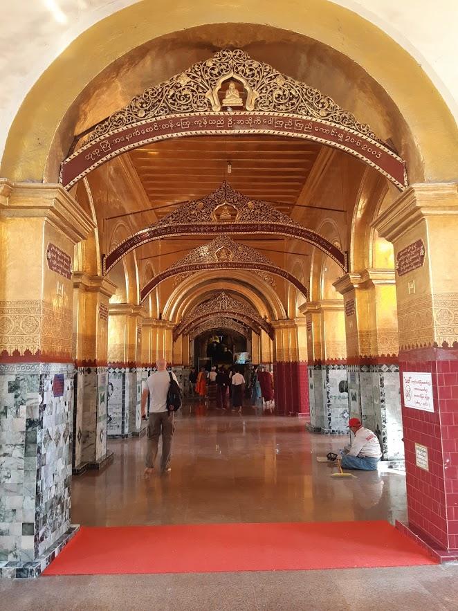 Exploring the temples of Mandalay