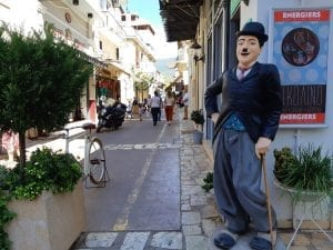 A travel guide to the top things to do in Kalamata, Greece
