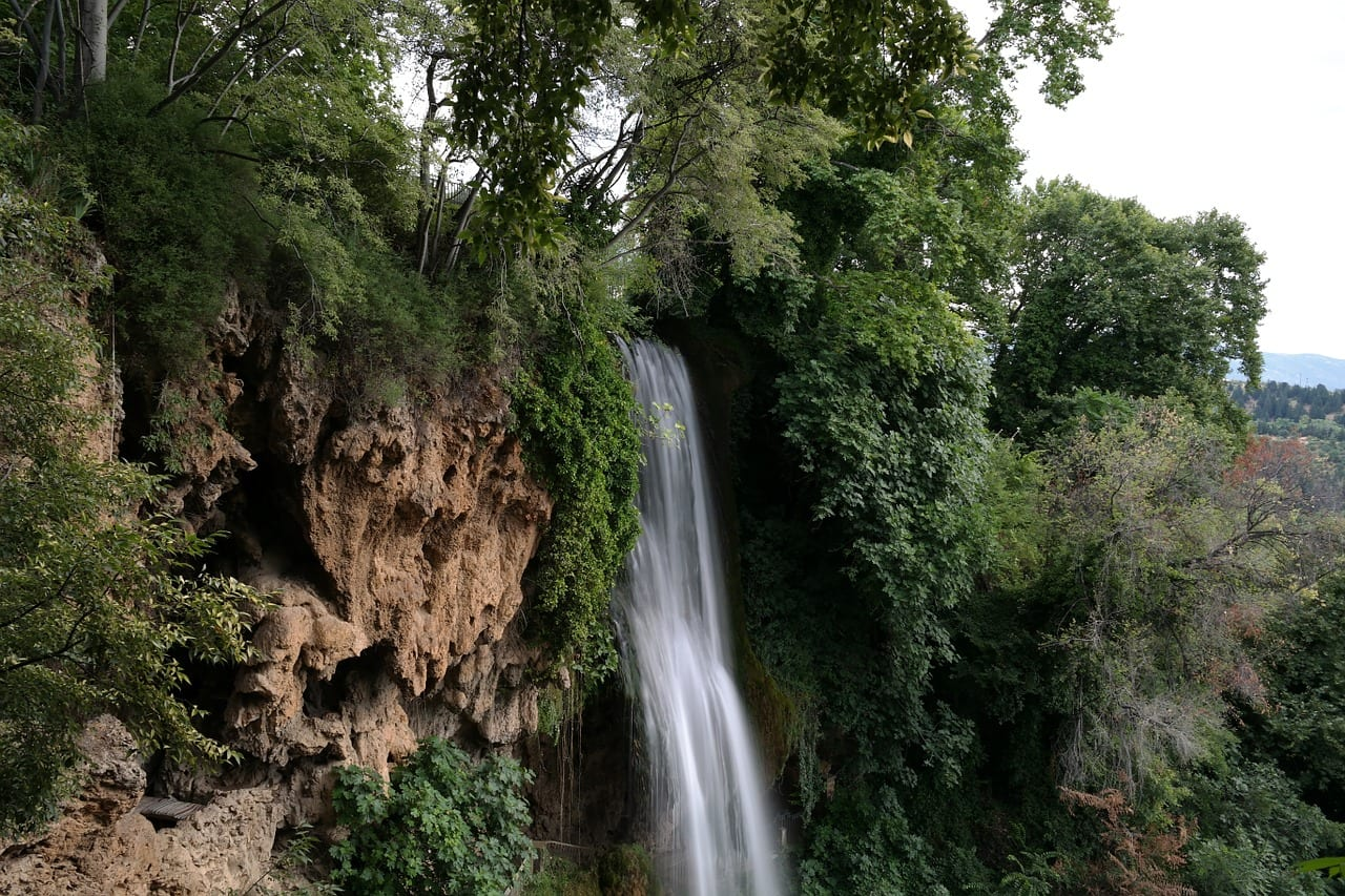 Edessa waterfalls near Thessaloniki can be reached on a day tour from the city