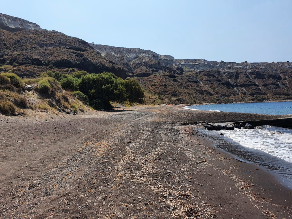 Gialos Beach in Santorini