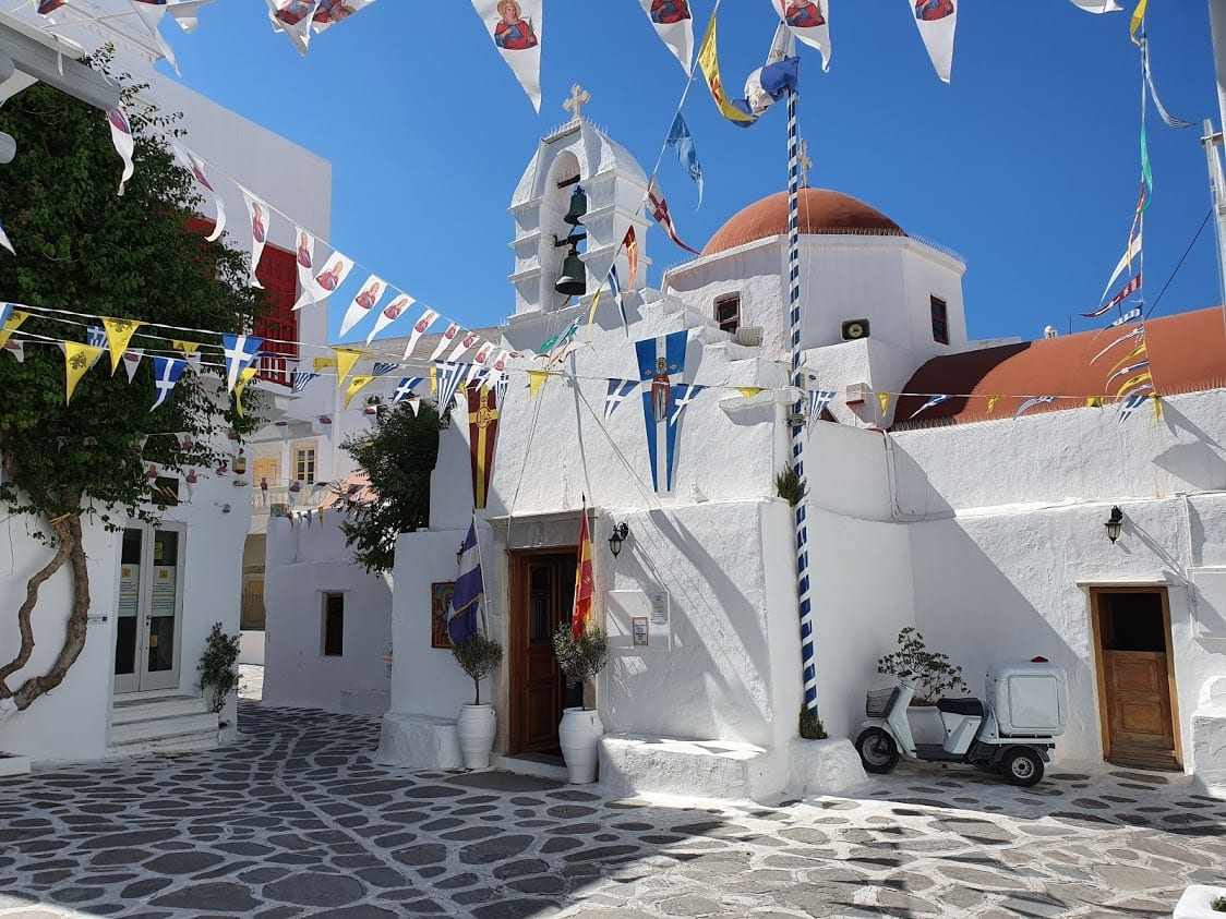 A church inside Mykonos Chora