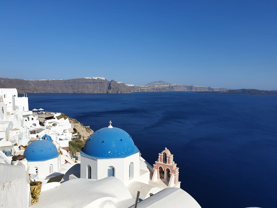 A look at day trips in Greece including Oia in Santorini
