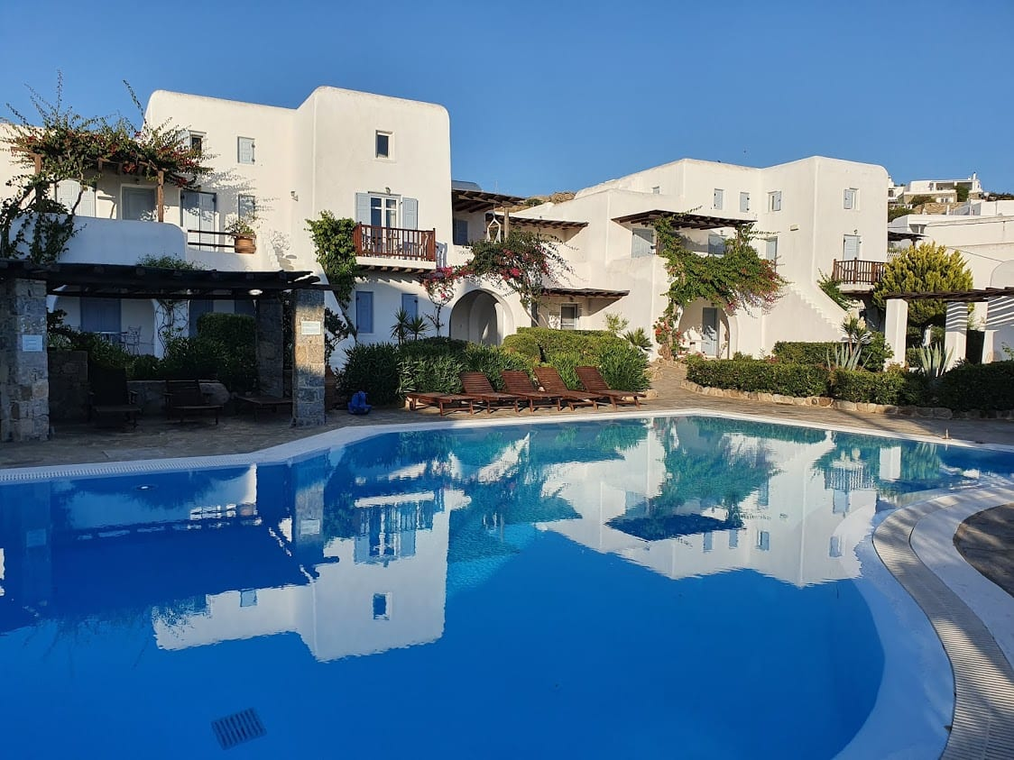 Villa with a swimming pool in Mykonos